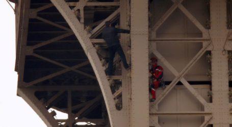 Vatrogasci nagovorili penjača da siđe s Eiffelova tornja