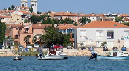 Slovenac pao s drugog kata hotela u Istri, preminuo u bolnici