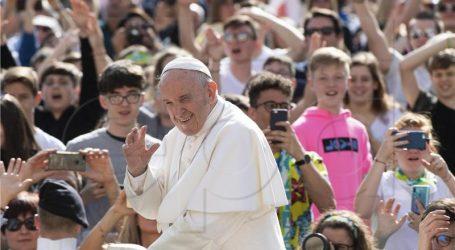 Peticija za proglašavanje Pape heretikom prikupila 3400 potpisa