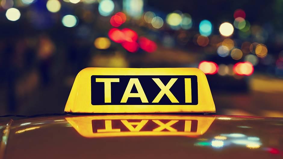 Roditelji u taksiju ostavili tek rođenu bebu