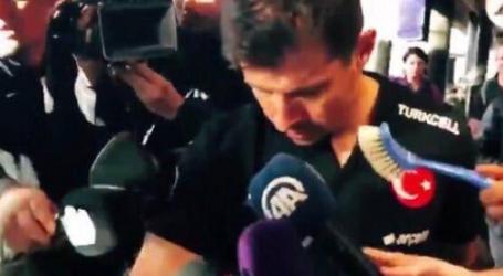 Turčinu Belozogluu islandski novinar pod nos gurnuo wc četku