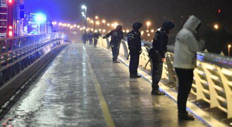 Južnokorejski ronioci u Budimpešti pokušavaju doći do potopljenog broda