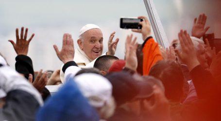 FELJTON: Papa o četiri velike opasnosti s kojima se suočavaju mediji