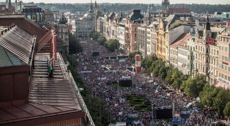 """Češki premijer Babiš ocijenio prosvjede protiv njega """"neprihvatljivim"""""""
