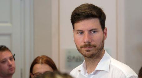 Pernar osniva Stranku Ivana Pernara i ide na predsjedničke i parlamentarne izbore