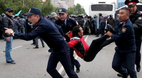 IZBORI U KAZAHSTANU Uhićene stotine oporbenih prosvjednika