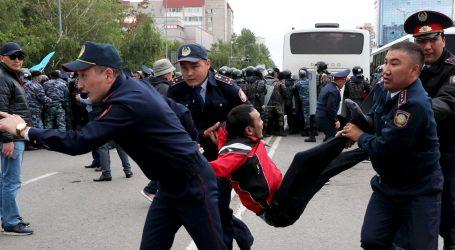"""Stotine uhićenih u Kazahstanu na prosvjedima protiv """"namještenih"""" izbora"""