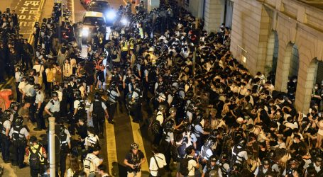 Najveći prosvjed u Hong Kongu završio sukobom policije i studenata