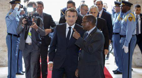 Macron smatra da Europa mora razgovarati s Rusijom