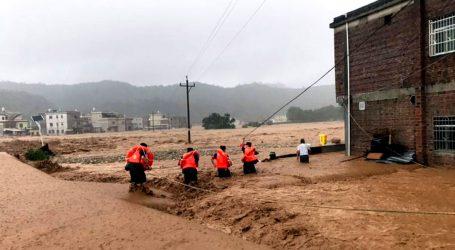 KINA Najmanje 19 mrtvih u poplavama