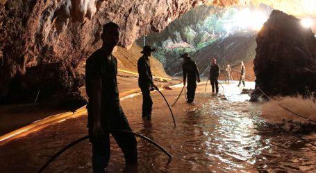 Godinu poslije, tajlandski dječaci iz špilje nose se sa slavom
