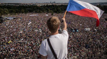 Češki premijer tvrdi da prosvjednici nemaju razloga biti nesretni