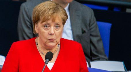 ZABRINUTOST ZBOG ZDRAVLJA KANCELARKE: Angela Merkel opet se nekontrolirano tresla