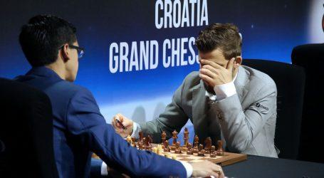 Šah: Briljantan start Carlsena