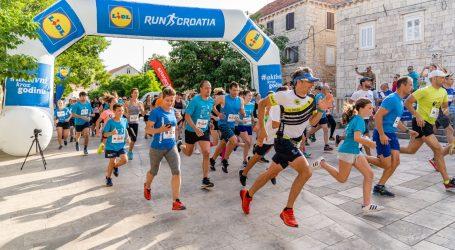 LIDL BRAČ RUN: 204 trkača startalo je na 120 metara nadmorske visine u Selcima
