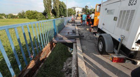 Ministarstvo graditeljstva priopćilo da Grad Zagreb nije poslao izvještaj o sanaciji Savskog mosta