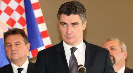 Milanovićev politički pad, Josipović novi šef oporbe