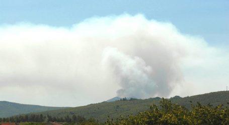 Veliki požar nedaleko slapa Kravica kod Ljubuškog