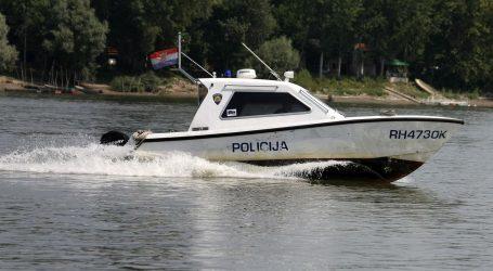 Na Dunavu potonuo policijski brod koji je spašavao migrante