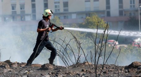Brzom intervencijom vatrogasaca ugašen požar u splitskom naselju Sirobuje
