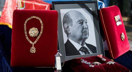 KULTURNA BAŠTINA PLAVE KRVI: Srbija – jedina republika koja plaća kralja