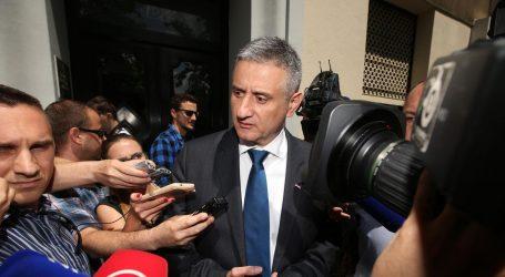 Podjela na Ustavnom sudu o Karamarkovom udaru na Povjerenstvo
