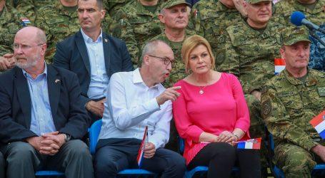 Grabar-Kitarović u MORH-u uoči sjednice Vijeća za obranu