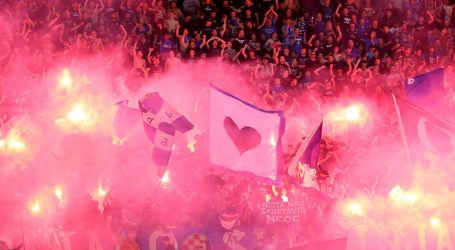 BAKLJADA NA DERBIJU: Dinamo kažnjen sa 130 tisuća kuna, Hajduk sa 65 tisuća