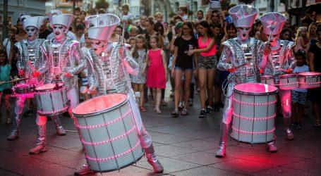 Velikim uličnim spektaklom u Rijeci otvoren Dječji festival 'Tobogan'