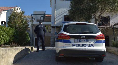 Ocu koji je s balkona bacio četvero djece prijeti 50 godina zatvora