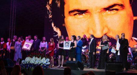 Mišo Kovač proglašen najboljim pjevačem svih vremena