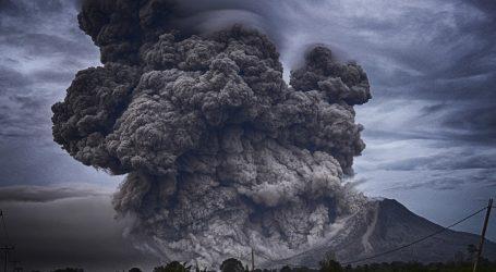 15 000 ljudi u Papui Novoj Gvineji napustilo domove zbog erupcije vulkana