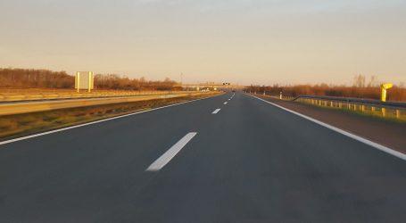 Magla mjestimice smanjuje vidljivost, prometna na zagrebačkoj obilaznici