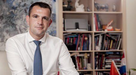POSAVEC: 'Državnički potez premijera bio bi da smiri Bandićeve apetite'