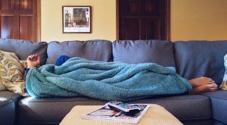 COUCH SURFING: PUTOVATI BEZ NOVACA  Nepoznati putnik na mom kauču