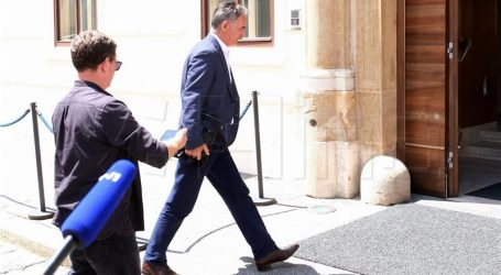 """PUPOVAC """"Morat će se razgovarati o mirovinskoj reformi"""""""