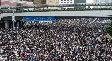 Hong Kong: policija suzavcem i gumenim mecima na prosvjednike