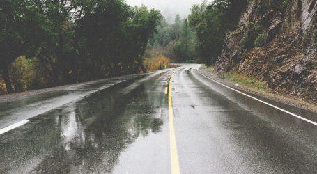 Kolnici mjestimice mokri, prometna nesreća kod Kršana