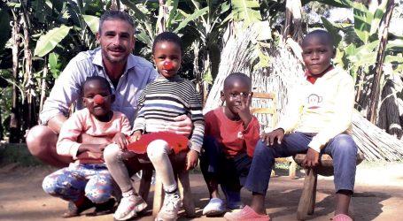 """KRSTULOVIĆ: """"U Africi malo toga možeš napraviti, najvažniji su dječji zagrljaj i osmijeh"""""""
