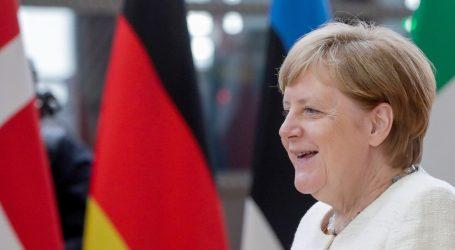 Merkel o proširenju različito od Macrona