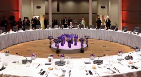 Čelnici EU-a na summitu većinu vremena provode u bilateralnim konzultacijama