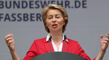 Ursula von der Leyen – liječnica, štićenica Angele Merkel i majka sedmero djece