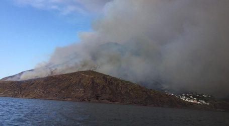 Erupcija vulkana na Stromboliju, poginuo 35-godišnji Talijan
