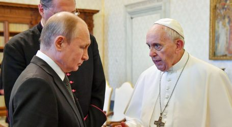 "Putin i papa Franjo imali ""sadržajne"" razgovore"