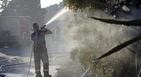 SOLIN U požaru ozlijeđene dvije osobe