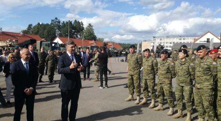 Premijer Plenković posjetio hrvatske vojnike u Poljskoj