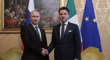 Putin se nada da će mu Italija pomoći u popravljanju odnosa s Europskom unijom