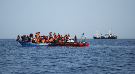 Pokopano 46 migranata preminulih u potonuću plovila blizu Khomsa