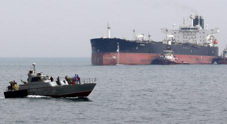 Iranska garda otela strani tanker s 12 članova posade