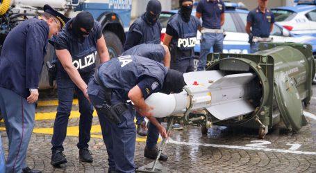 Racija na neonaciste u Italiji, zaplijenjena čak i jedna raketa zrak-zrak